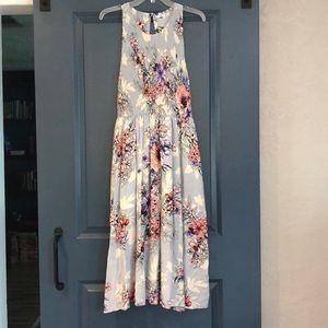 Floral midi Dress w/back cutouts